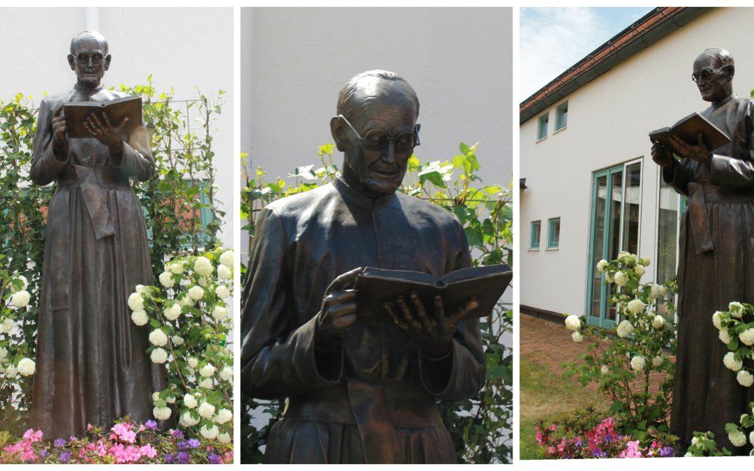Paco TITO inaugura un monumento en Alemania